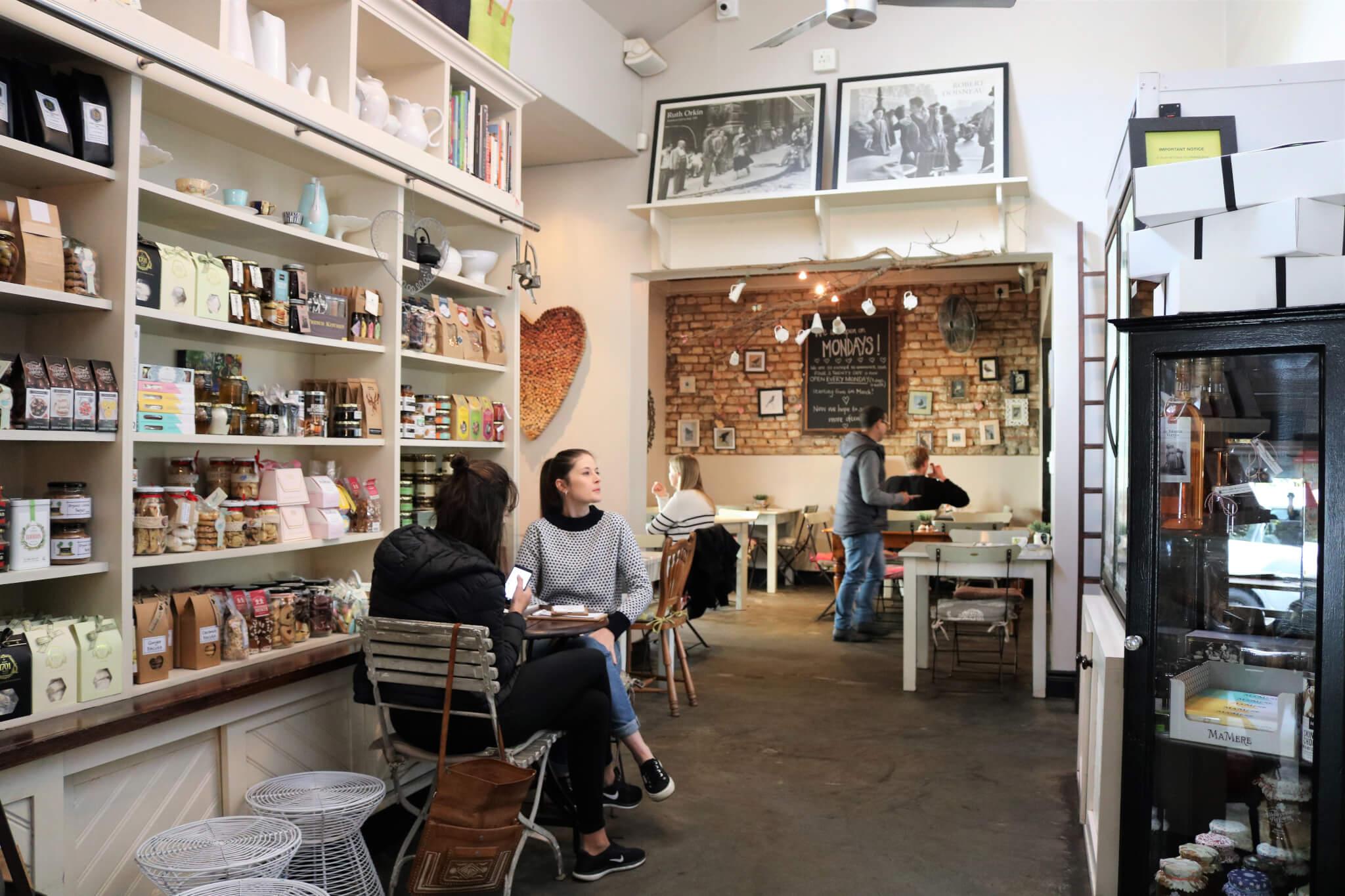 Four & Twenty Cafe
